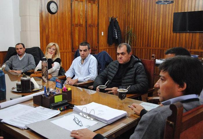Acerbo se reunió con los concejales