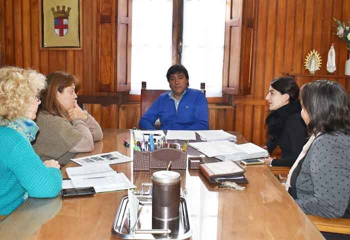 Acerbo se reunió con referentes de educación