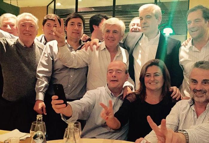 Acerbo volvió a manifestar su apoyo a Domínguez