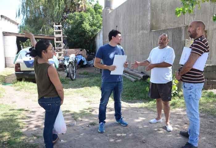 Aguilera y Valicenti salieron a recorrer barrios