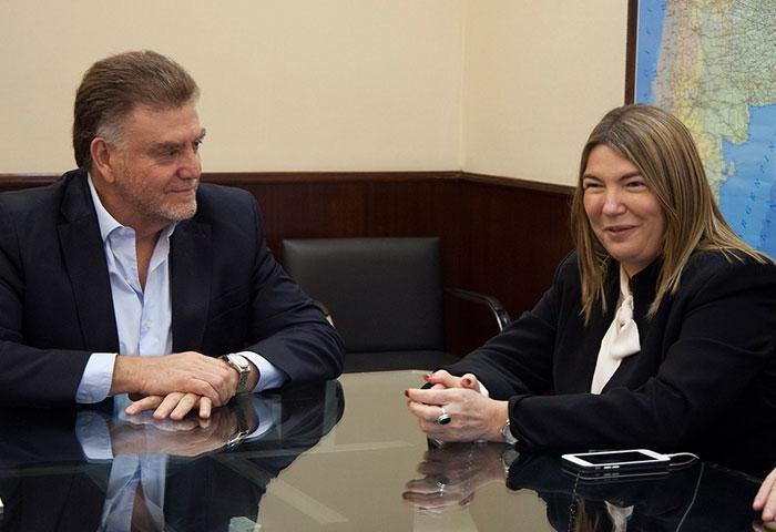Amaya y Bertone firmaron un convenio