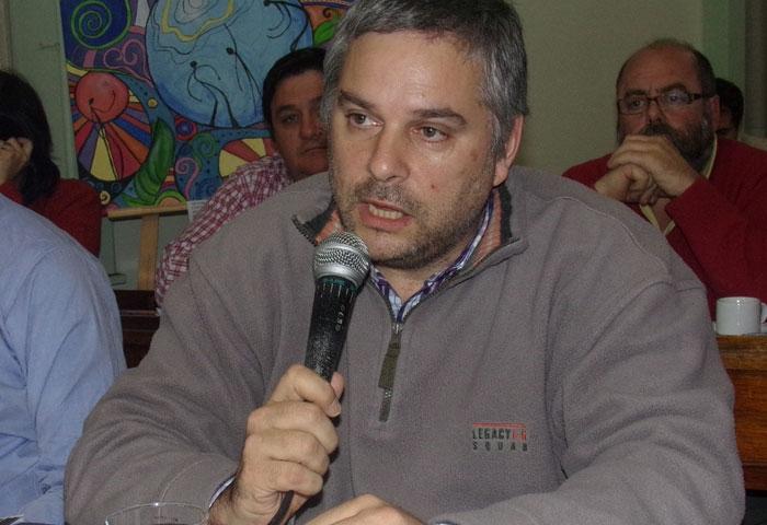 Carretero, a disposición de Mariano Ruiz
