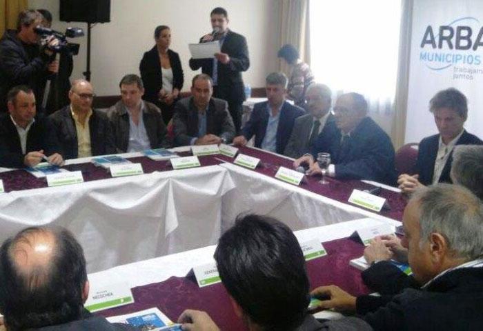 Cellillo firmó convenio con ARBA