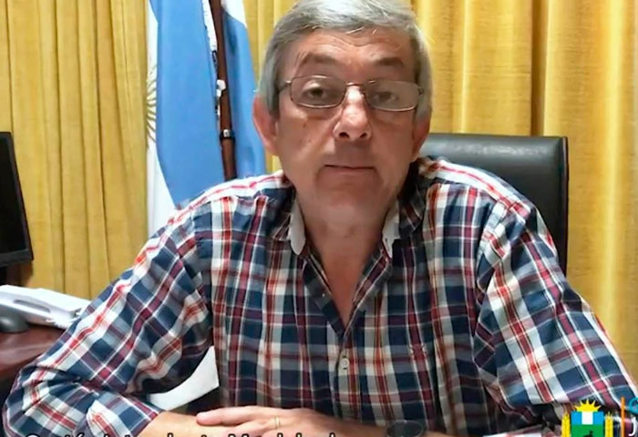Cortés anunció el pago del bono a los municipales
