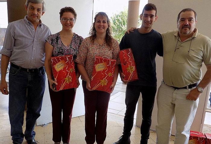 Cortés entregó cajas navideñas