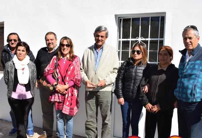 Cortés entregó viviendas en comodato