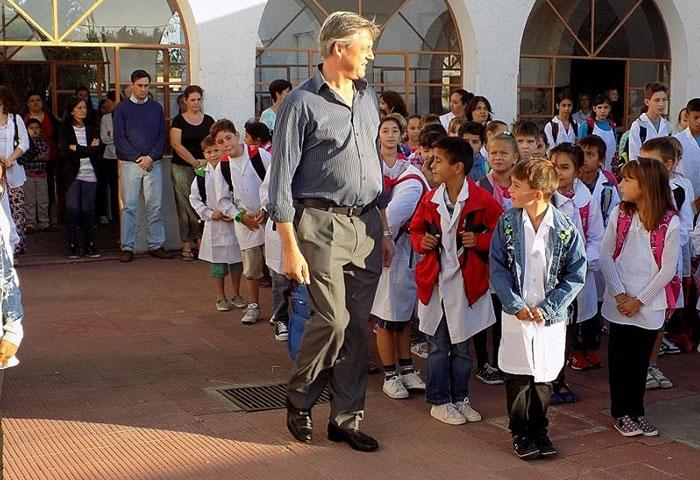 Cortés participó del acto de inicio de clases