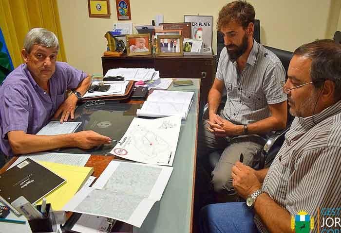 Cortes recibió al inspector de obra de Hidráulica