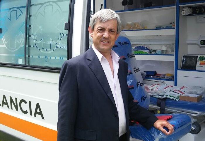 Cortés recibió de Macri la nueva ambulancia