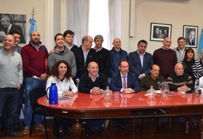 Cortés se reunió con dirigentes del PJ en La Plata