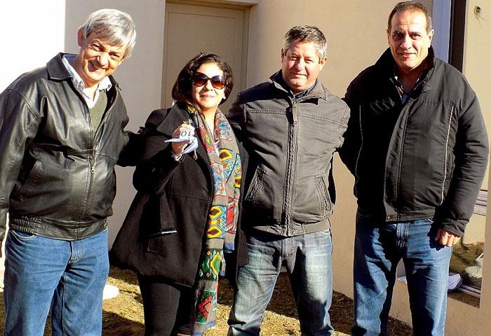 Cortés sigue entregando viviendas