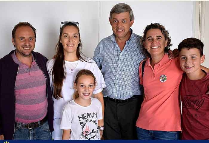 Cortés visitó la Escuela de Estética Lola Mora