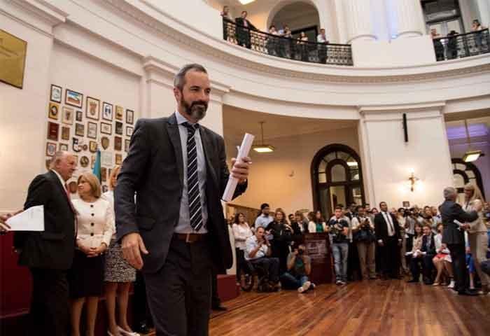 Dalton Jáuregui, un senador con experiencia
