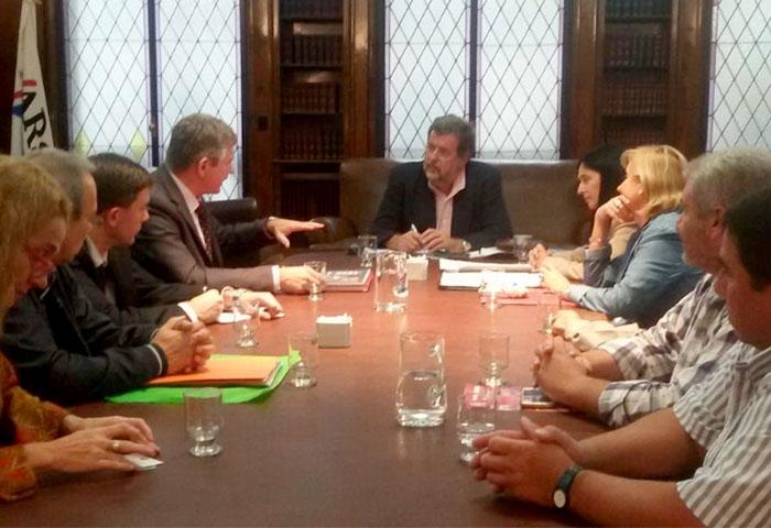 Elustondo se reunió con el embajador de Belarús
