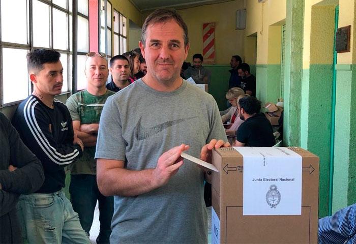 Erreca votó en la Escuela N° 6