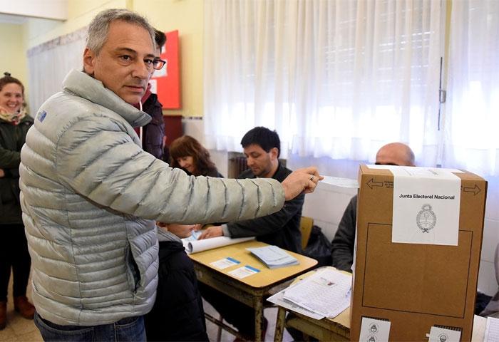 Eseverri votó en al Escuela N° 1
