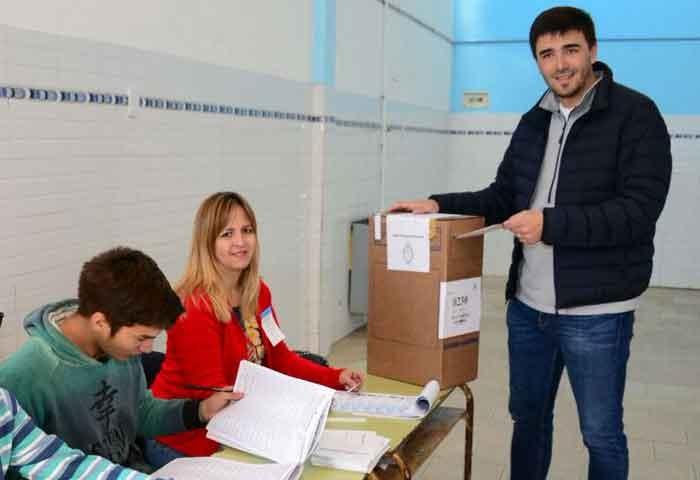 Galli votó en el Barrio AOMA