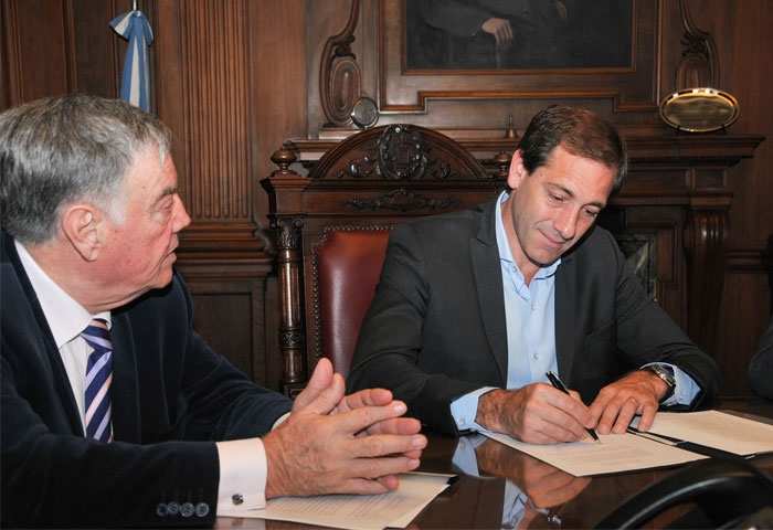 Garro firmó un convenio con la Suprema Corte