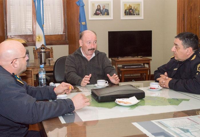 Inza se reunió con autoridades policiales
