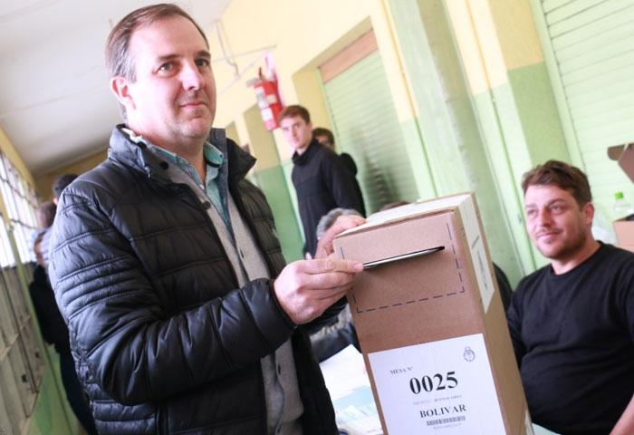 José Gabriel Erreca votó en la Escuela 6