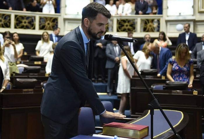 Juan Carrara juró como diputado