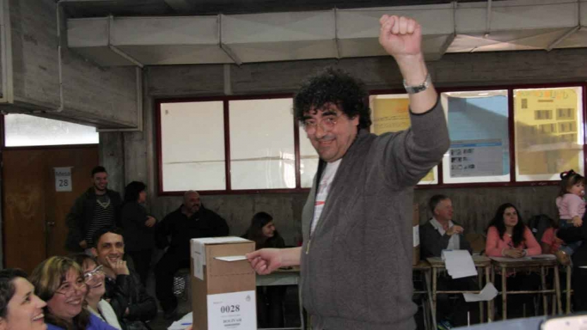 Miki Francisco votó en la ex ENET