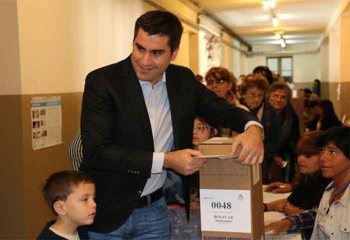 Mosca votó en la Escuela Nº 2