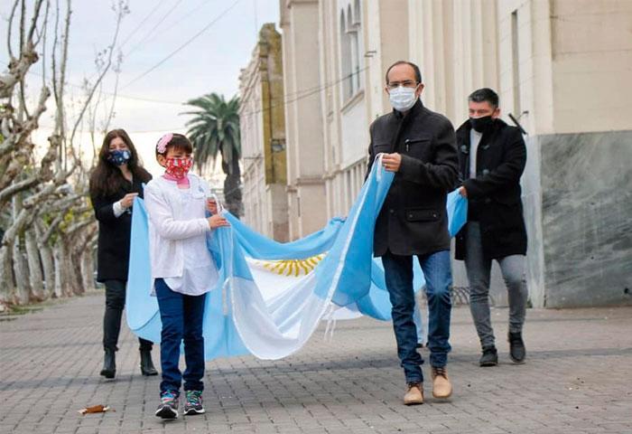 Pisano encabezó los actos por el Día de la Bandera