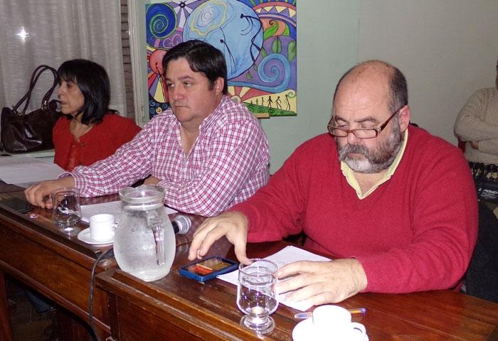Pisano, Patti y Carona, de licencia