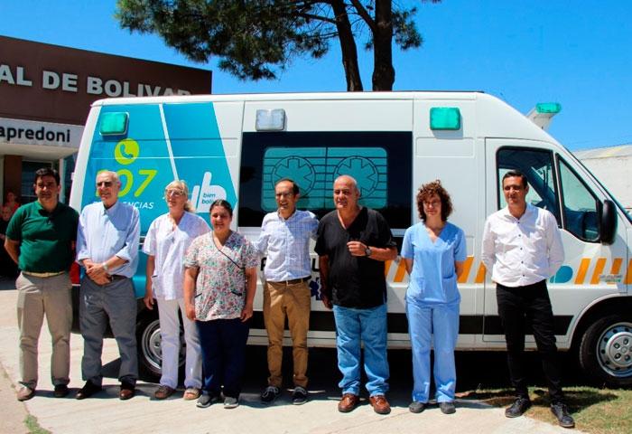 Pisano presentó una nueva ambulancia