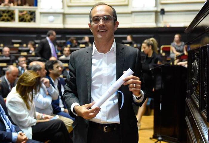 Pisano recibió su diploma de intendente