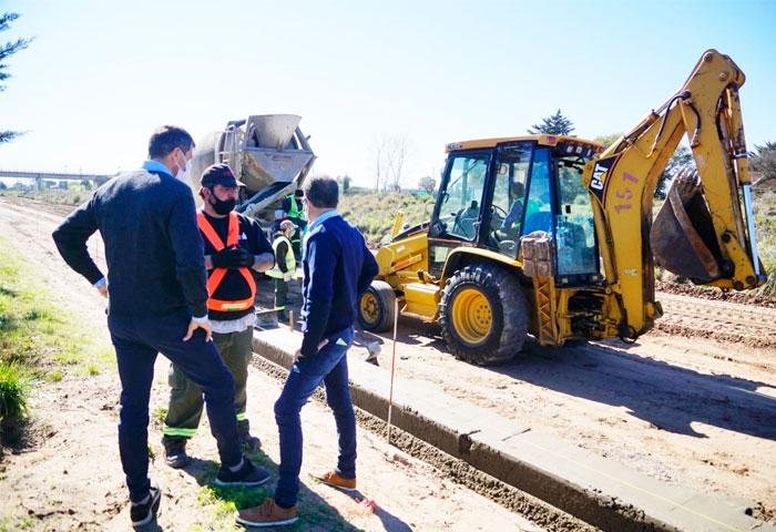 Pisano recorrió las obras en los barrios del sur