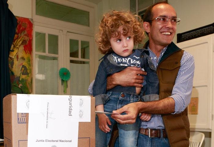 Pisano votó en el Jardín N° 1