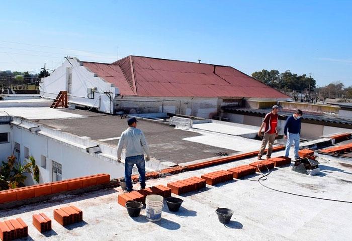 Pugnaloni comenzó el techado del Hospital