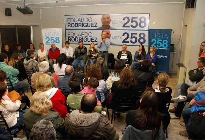 Rodríguez se reunió con vecinos y militantes