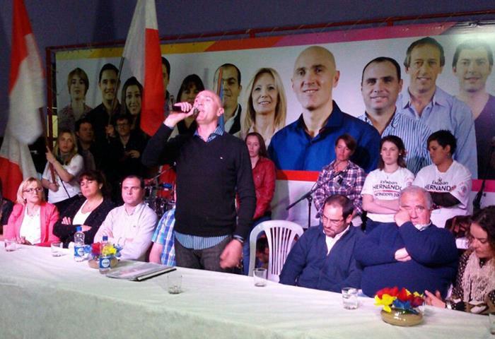 Salazar acompañó el cierre de campaña de la UCR