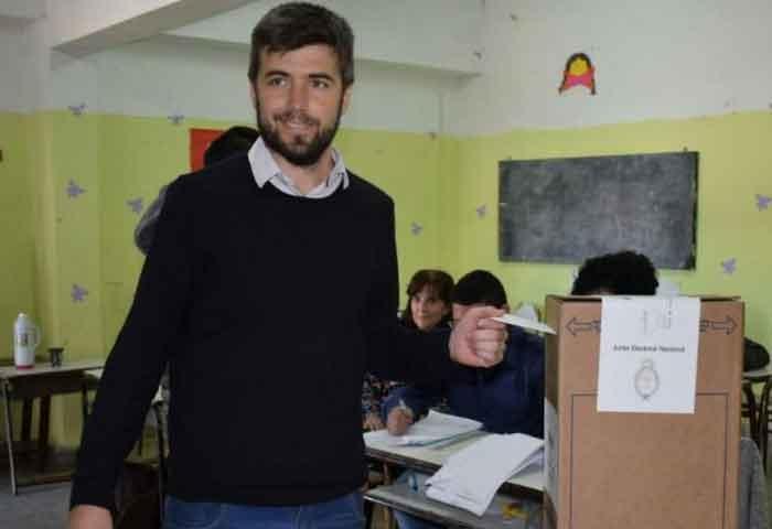 Votó Bruno Cenizo en la Escuela 52