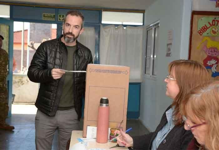 Votó Dalton Jáuregui