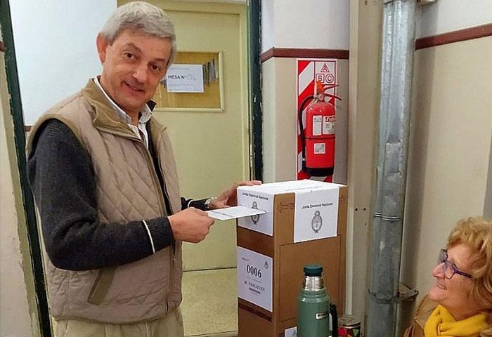 Votó el intendente Cortés
