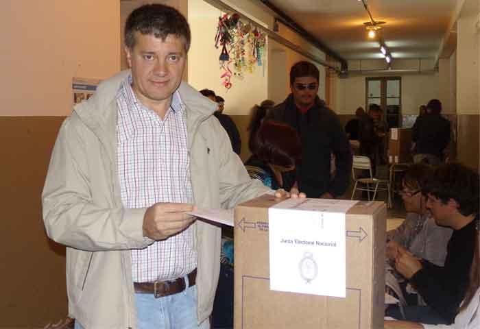 Votó Morán en la Escuela Nº 2